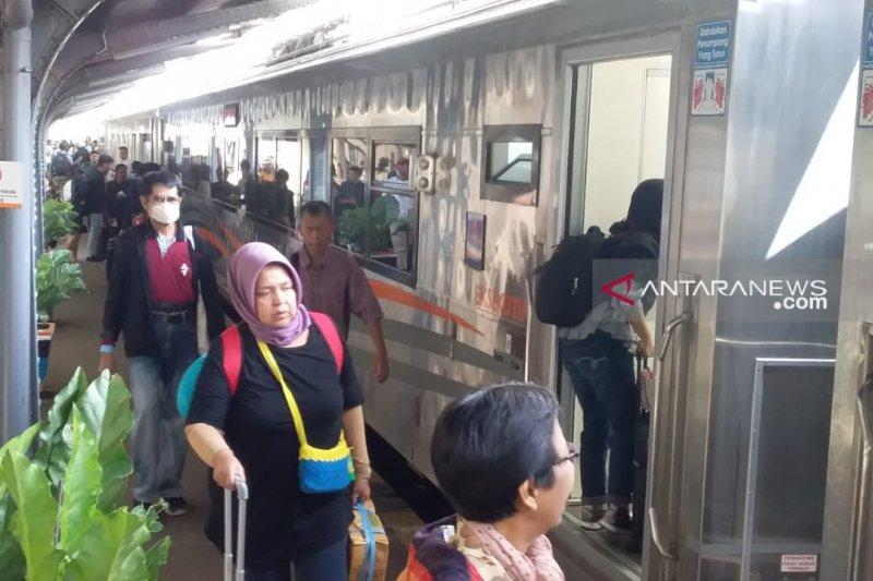 54.836 pemudik turun di stasiun Daop 9 Jember