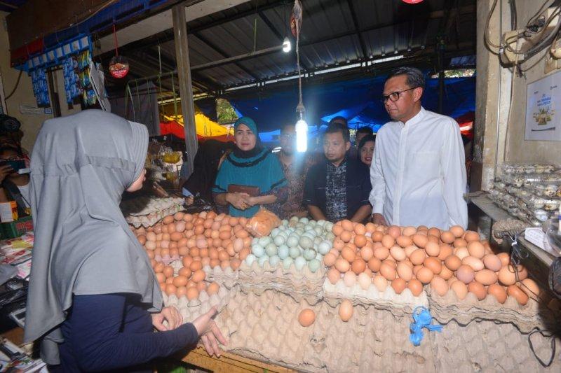 Gubernur Sulsel minta Wali Kota Makassar evaluasi PD Pasar