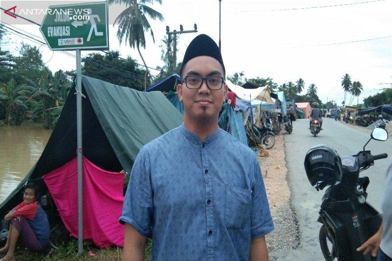 Tinjau korban banjir, Karang Taruna sayangkan tidak didirikan tenda