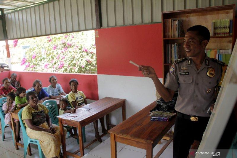 RUMAH MERAH PUTIH DI PERBATASAN INDONESIA-TIMOR LESTE