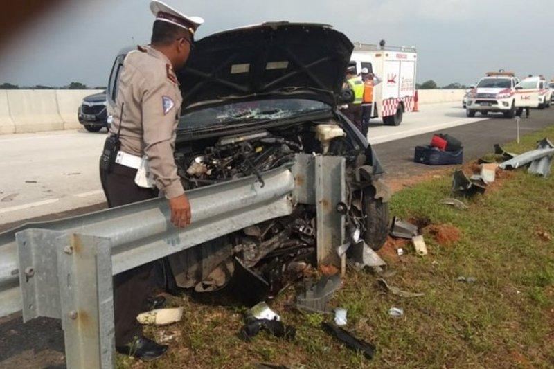Kendaraan pemudik mengalami kecelakaan di tol Terbanggi Besar