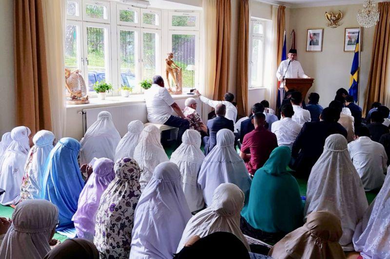 Warga Indonesia di Swedia laksanakan Shalat Ied di Wisma Duta Stockholm