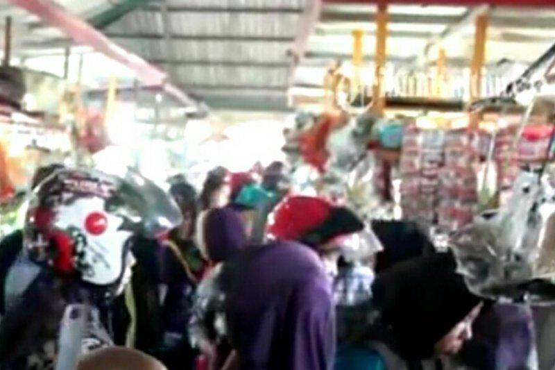 Ribuan warga padati pasar induk Bulungan H-1 Lebaran
