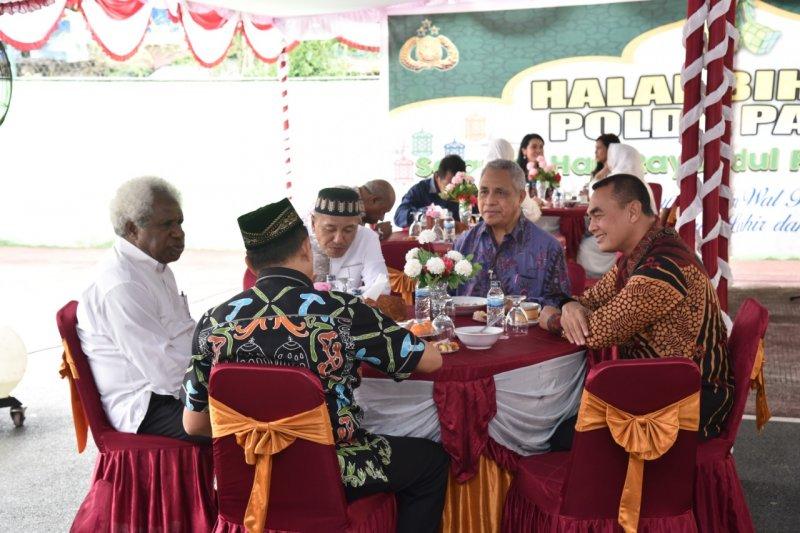 Polda Papua gelar halal bihalal usai shalat Id