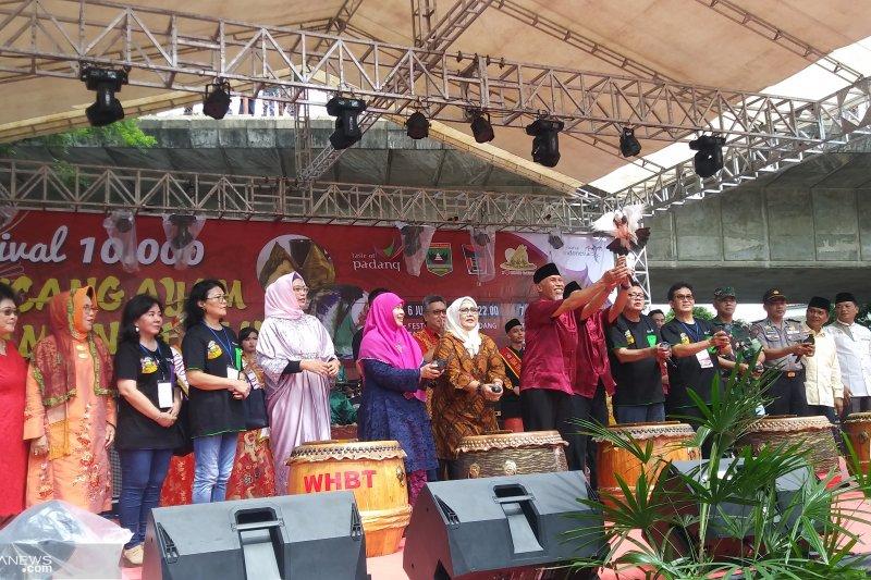 Bakcang dan Lamang Baluo satukan Etnis Minang dan Tionghoa di Padang