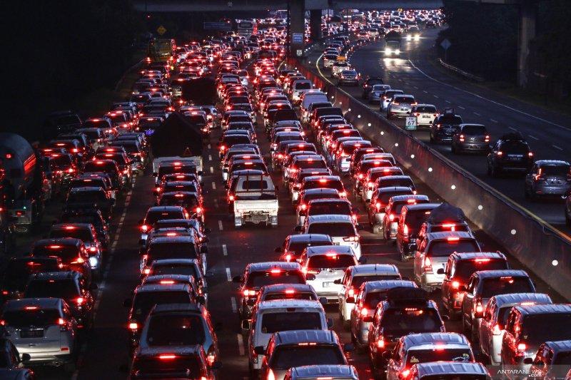 Satu arah di Tol Jakarta-Cikampek dilakukan mulai dari KM 57