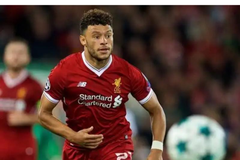 Liverpool abaikan Pepe dan perpanjang kontrak Oxlade-Chamberlain