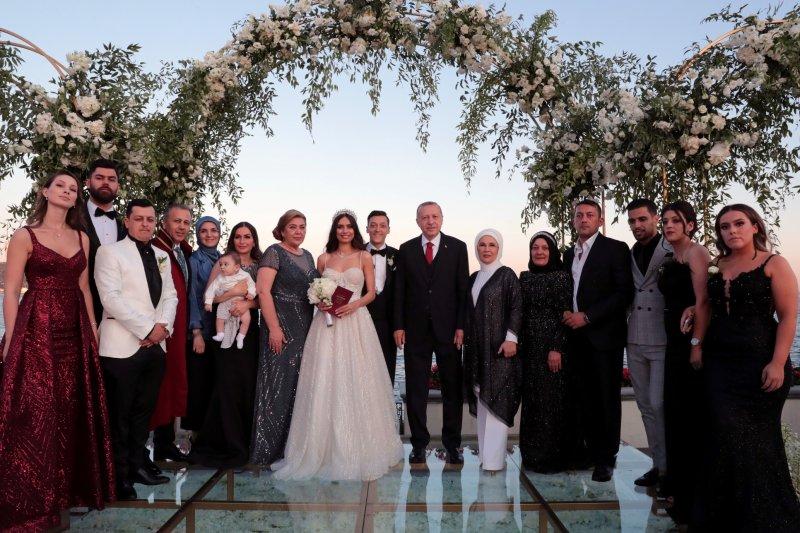 Ozil menikah, dihadiri Presiden Erdogan