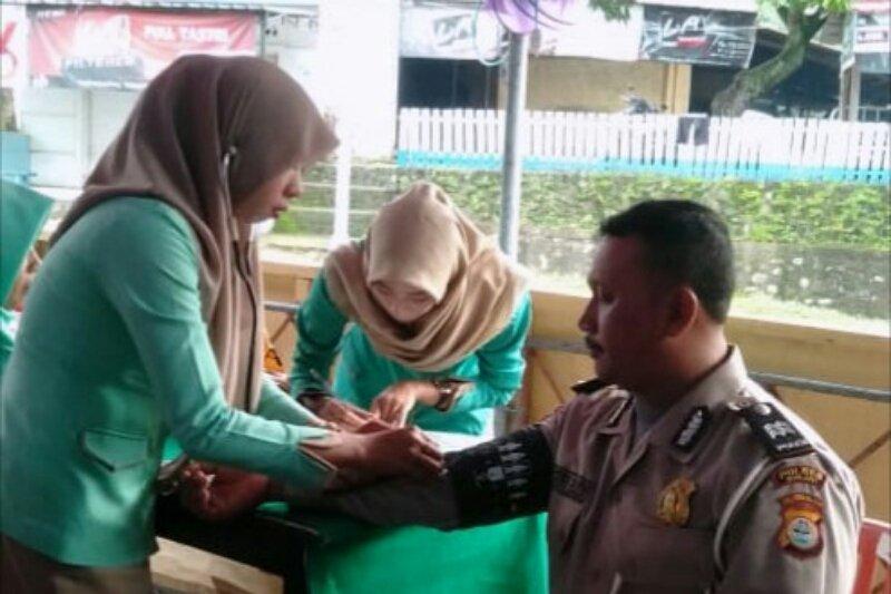 Dinkes Sinjai cek kesehatan petugas pengamanan Operasi Ketupat 2019
