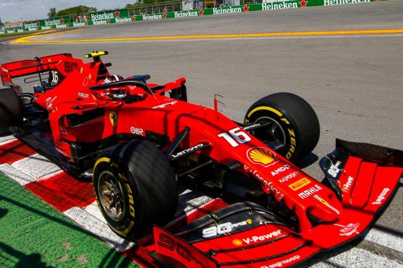 Ferrari ungguli Mercedes di sesi latihan