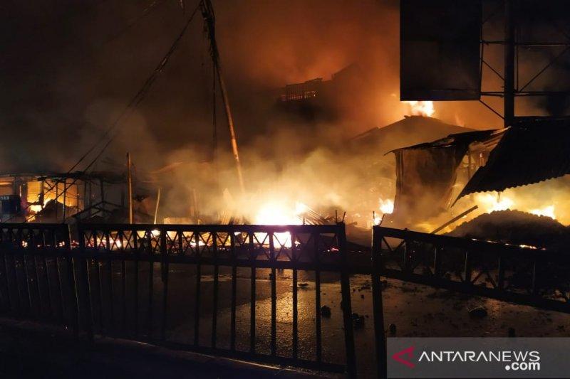 Pasar Ujungberung Bandung terbakar