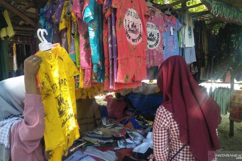 Pedagang pakaian di Pulau Angso Duo raih omzet Rp3 juta per hari saat libur lebaran