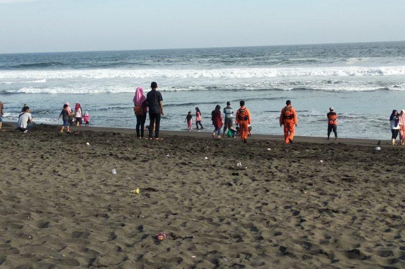 Basarnas Yogyakarta siaga di objek wisata pantai selatan