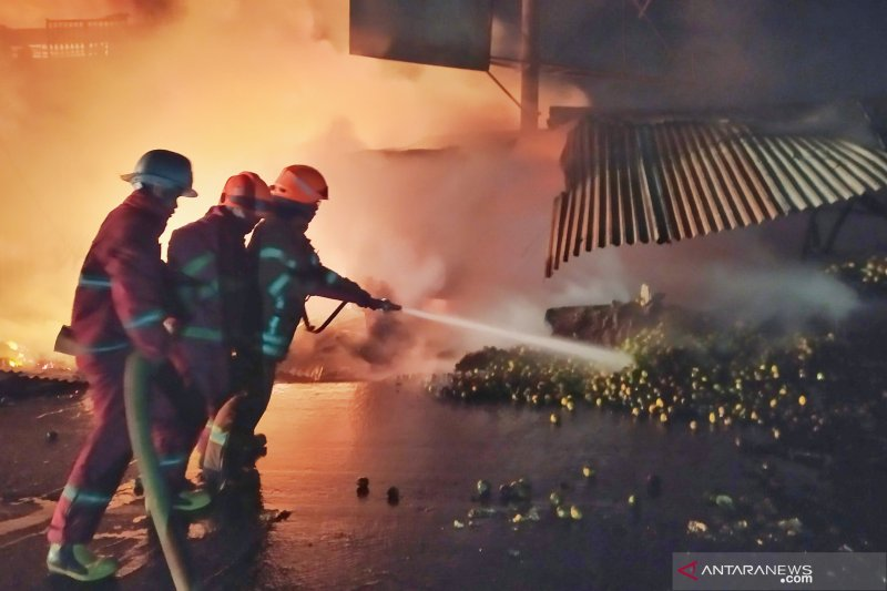 Ini dugaan penyebab kebakaran Pasar Ujung Berung