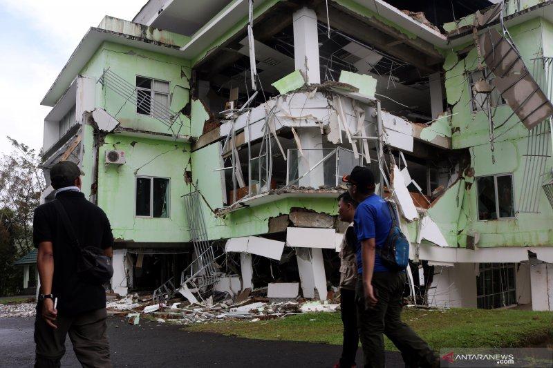 Gedung kampus IAIN Ambon terdampak pergerakan tanah