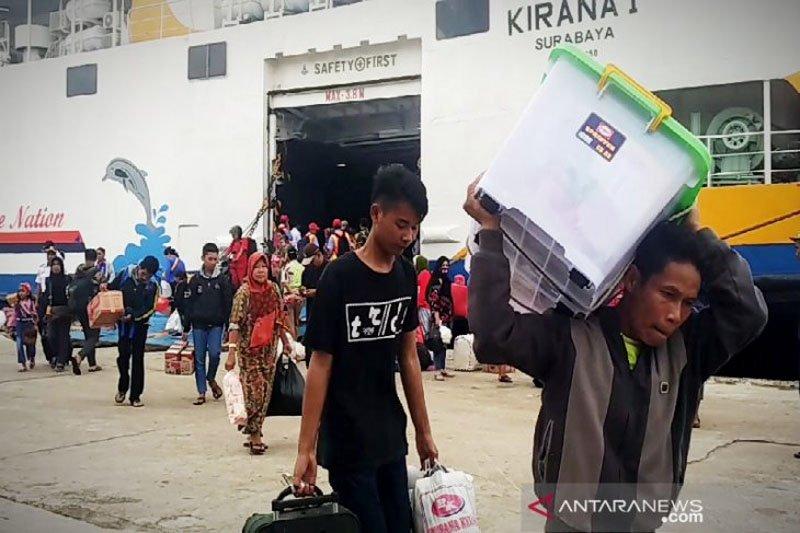 Arus balik di pelabuhan Sampit diprediksi hingga dua bulan
