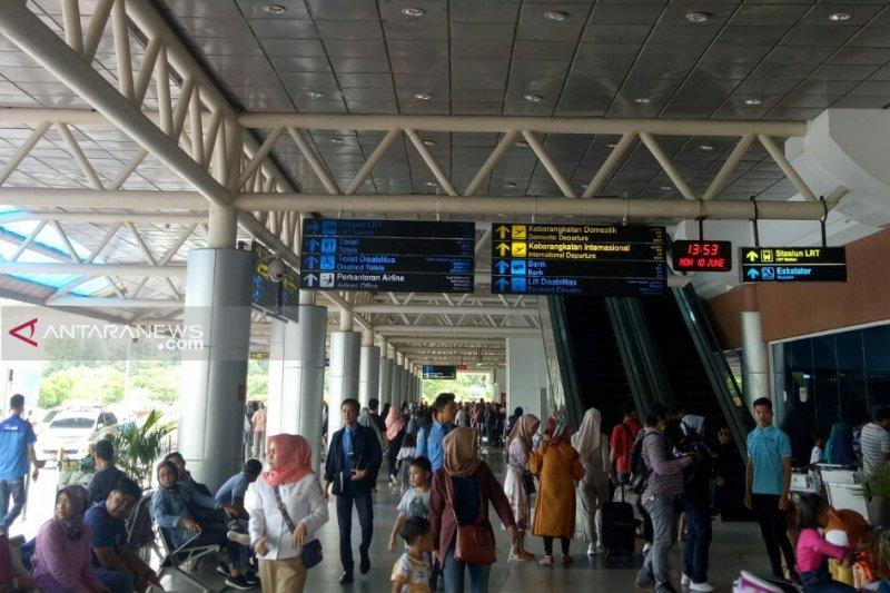187.783 orang mudik dan balik melalui Bandara SMB II