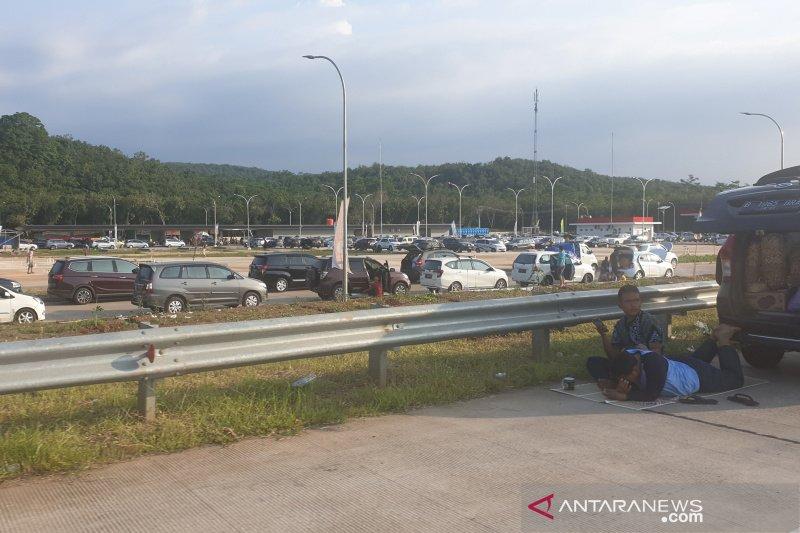Tempat istirahat di Tol Semarang-Pekalongan hambat arus balik