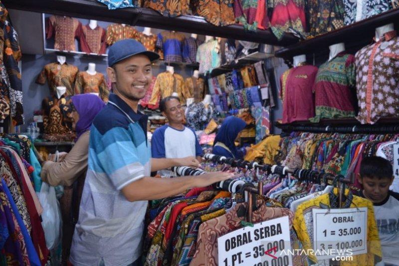 Batik Night Market dongkrak kenaikan penjualan batik Pekalongan