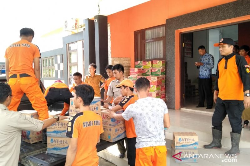 Pemda Kolaka Timur distribusi bantuan korban banjir