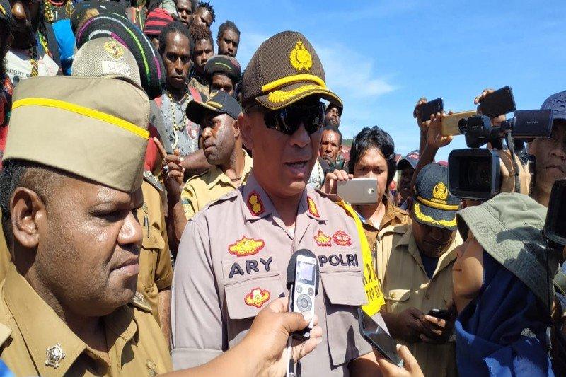 Kapolres Puncak Jaya: Senpi dari KKSB rampasan dari Polsek Tolikara