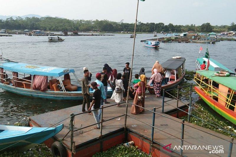 Kunjungan wisatawan ke Waduk Jangari Cianjur menurun