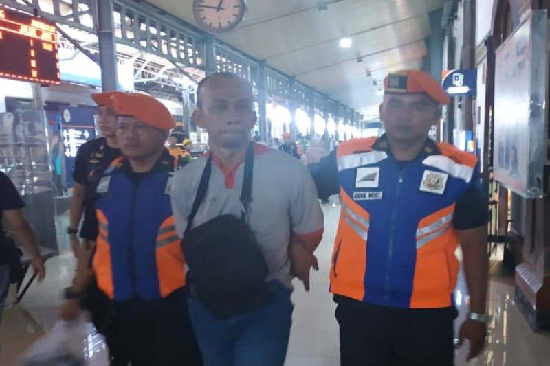 Pencuri ponsel penumpang di Stasiun Tawang Semarang diringkus