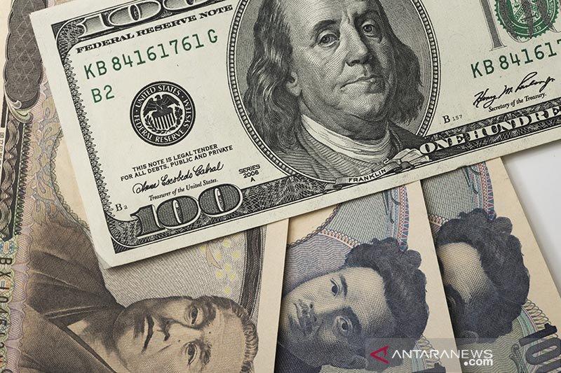 Dolar AS di Tokyo dijualbelikan di paruh bawah 107 yen