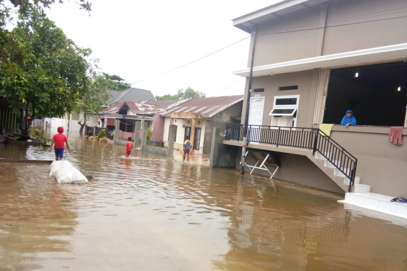 Antisipasi banjir, Pemko Pekanbaru klaim normalisasi tiga sungai