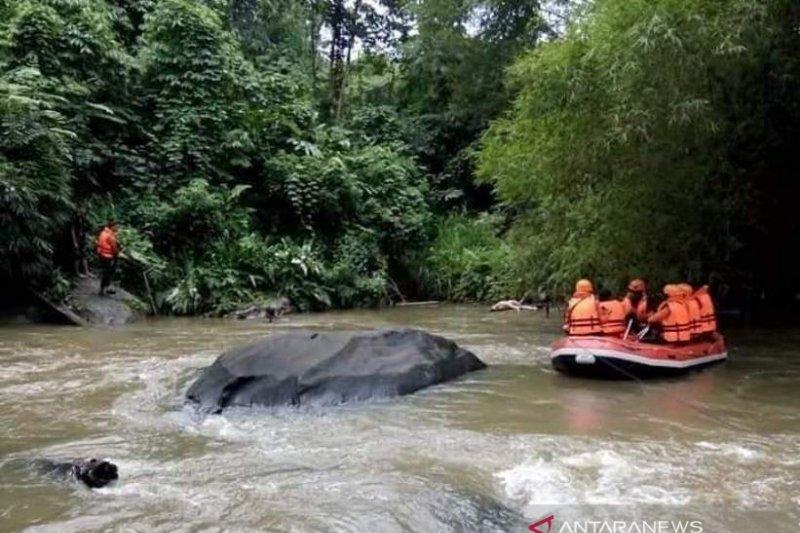 Deva, korban terakhir kecelakaan mobil di Batang Agam ditemukan meninggal dunia