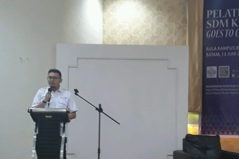 Kemenpar ajak mahasiswa Batam tekuni pariwisata
