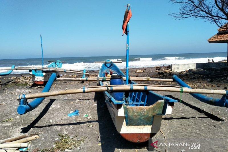 Nelayan Kulon Progo diimbau tak melaut karena gelombang tinggi