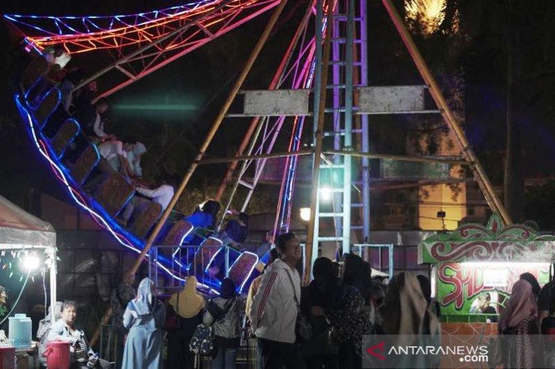 Pasar Malam Alun-alun Kota Bandung jadi tempat nostalgia masa kecil [Video]