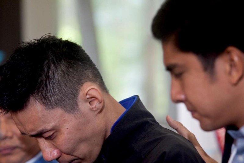 Mahathir sedih dan terharu  Lee Chong Wei pensiun