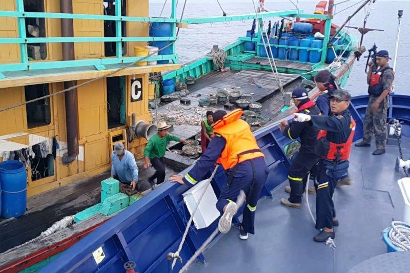 Kapal ikan ilegal berbendera Malaysia ditangkap