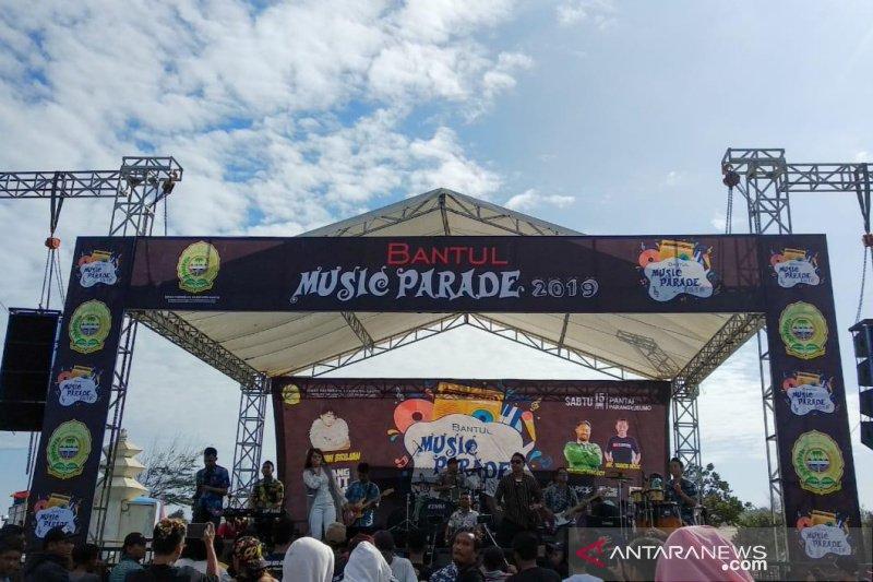 Pentas musik di Pantai Parangkusumo meningkatkan kunjungan wisatawan