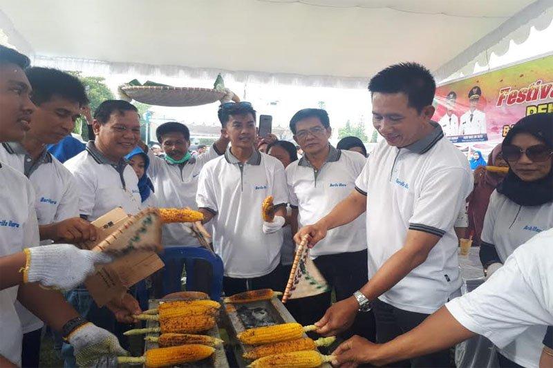 Rekor MURI bakar jagung diharapkan memotivasi petani Barito Utara