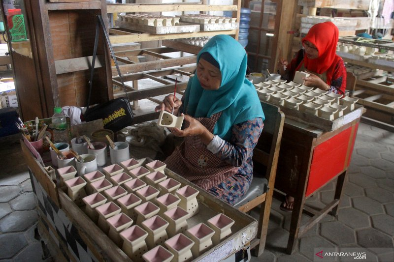 Kemenperin pacu industri keramik, utilisasi naik capai 65 persen