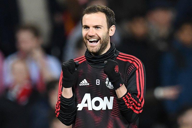 Juan Mata bertahan di Manchester United