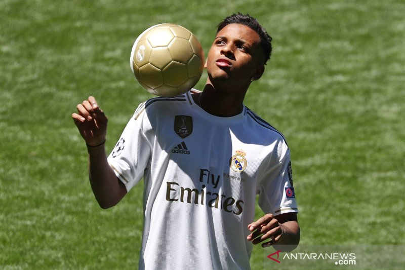 Real Madrid gilas Galatasary 6-0 untuk menuju 16 besar