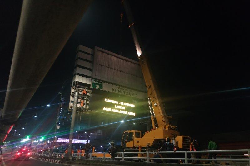 Satpol PP DKI Jakarta tertibkan 120 reklame
