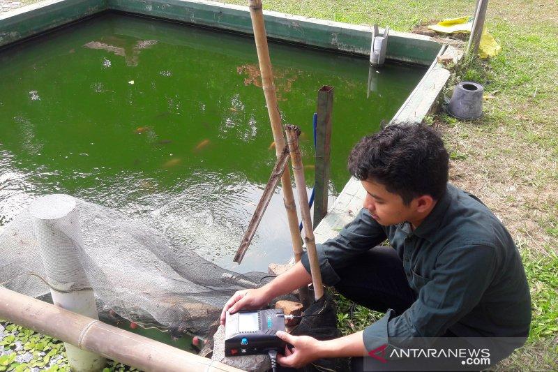 Mahasisiswa kembangkan alat peningkat nafsu makan ikan