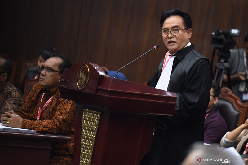 Yusril nilai permohonan Prabowo-Sandi cacat formil