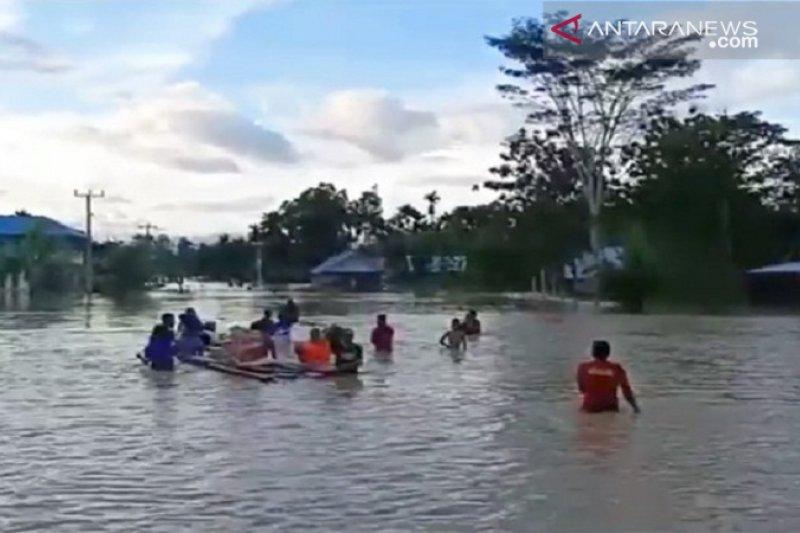 Dampak banjir, empat desa di Konawe masih terisolasi