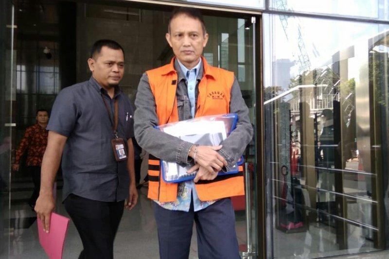 Penahanan dua tersangka kasus Krakatau Steel diperpanjang