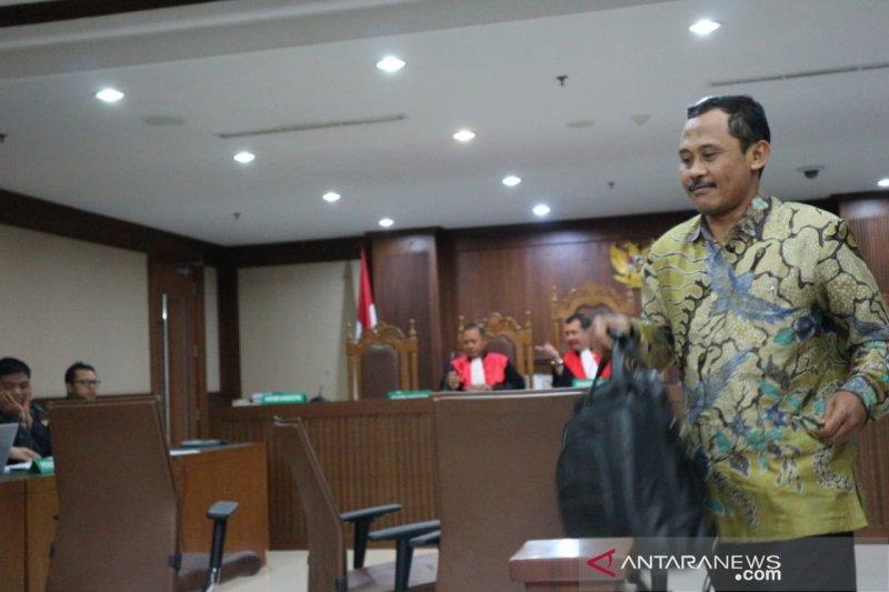 Saksi ungkap pemberian uang honor mengajar  Menag Lukman Hakim