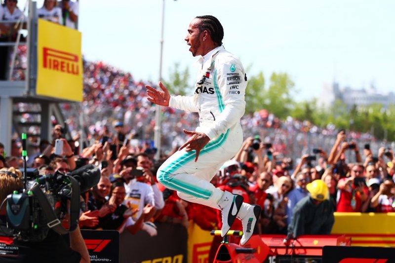 Hamilton bertekad perpanjang rekor tak terkalahkan Mercedes