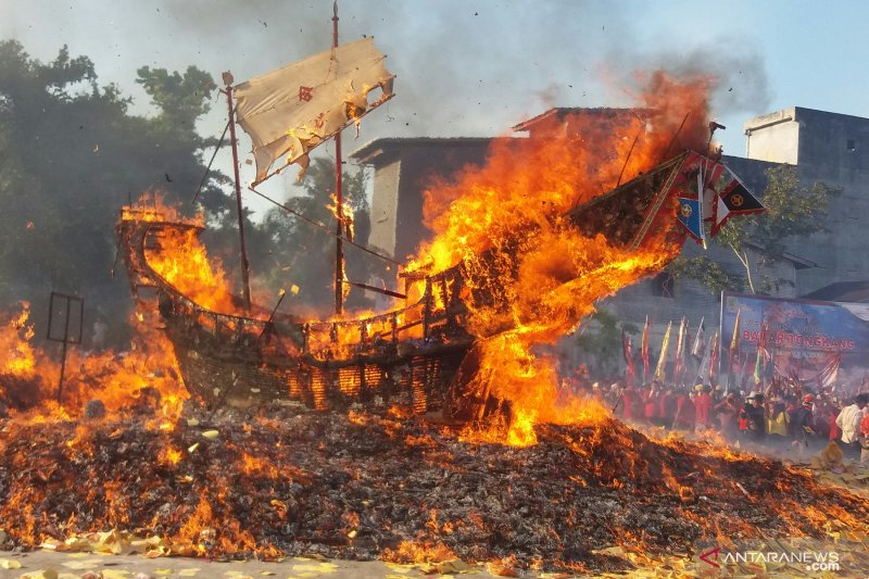 76 ribu wisatawan hadiri Festival Bakar Tongkang di Bagansiapiapi