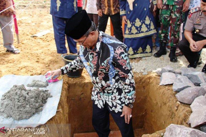 Lahan hibah warga, Bupati Solok apresiasi pembangunan masjid Dasiur Anwar