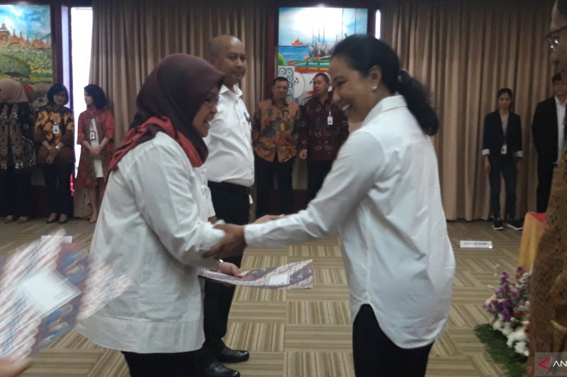 Rini Soemarno lantik tujuh pejabat pimpinan tinggi pratama BUMN